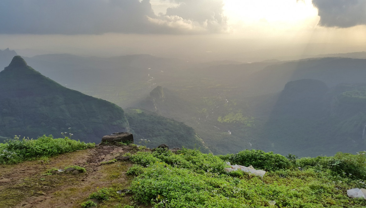 Top 5 Must Visit Places In Lonavala — Guide for Travelers